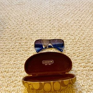 Coach women sunglasses w box. Dark blue Never worn